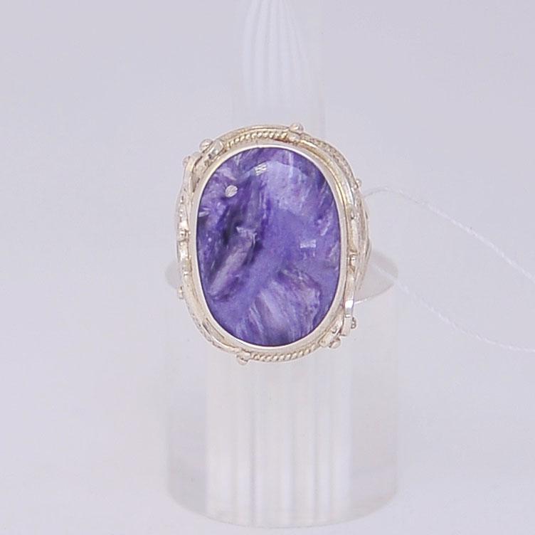 Кольцо из чароита овальной формы в ажуре, серебро