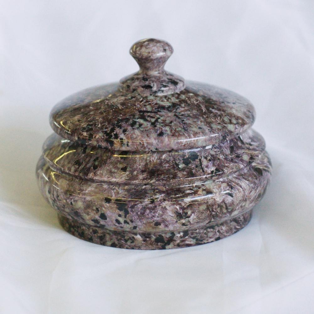 Шкатулка из лилового чароита круглой формы, очень большая