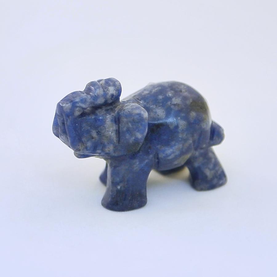 Слоник из лазурита