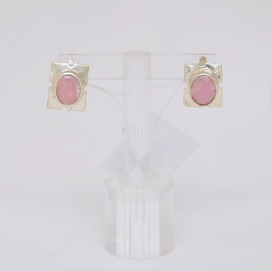 Серьги из розового турмалина овальной формы, в квадрате из серебра