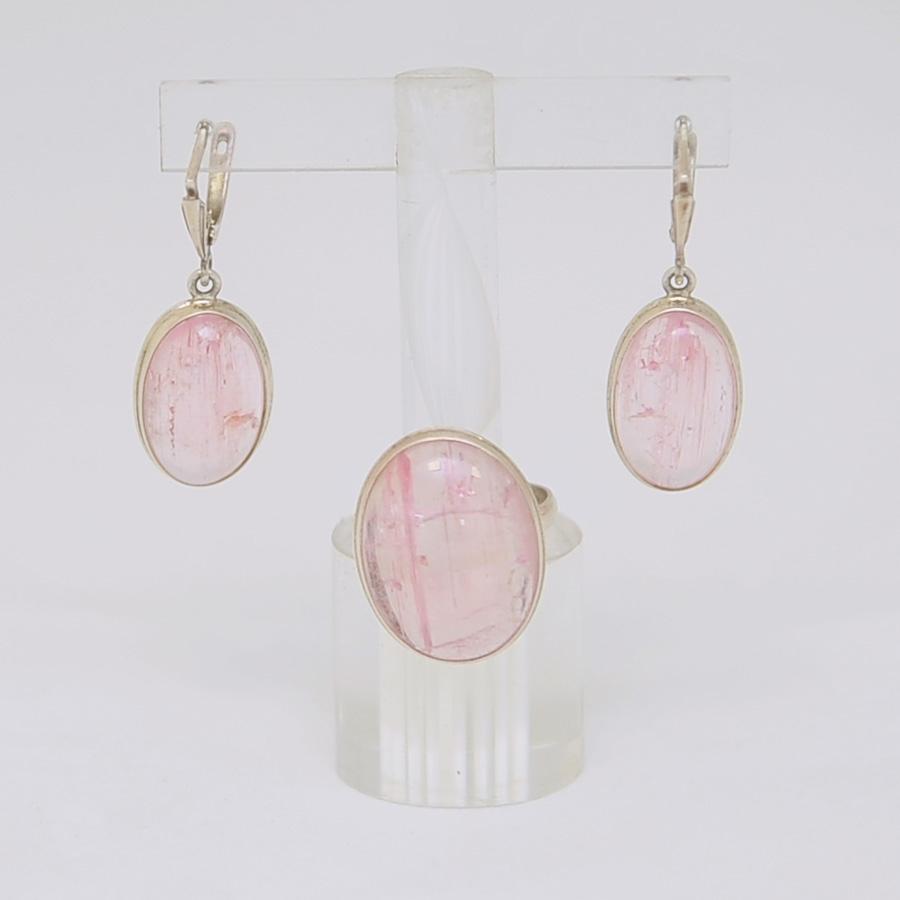 Комплект серьги + кольцо из нежно-розового турмалина овальной формы