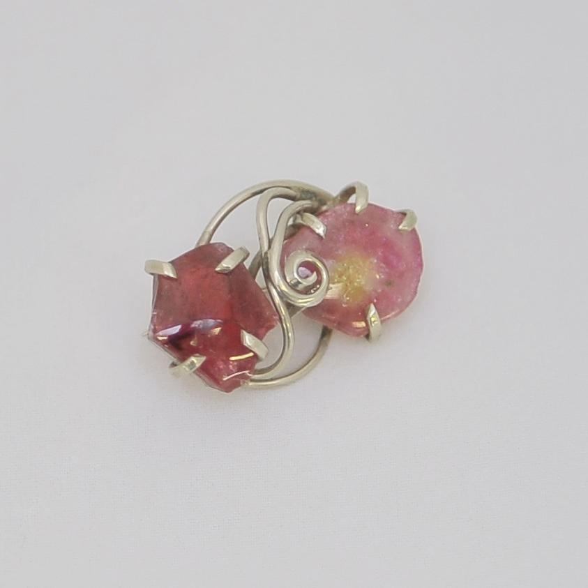 Брошь из малинового и розового турмалина, серебрение