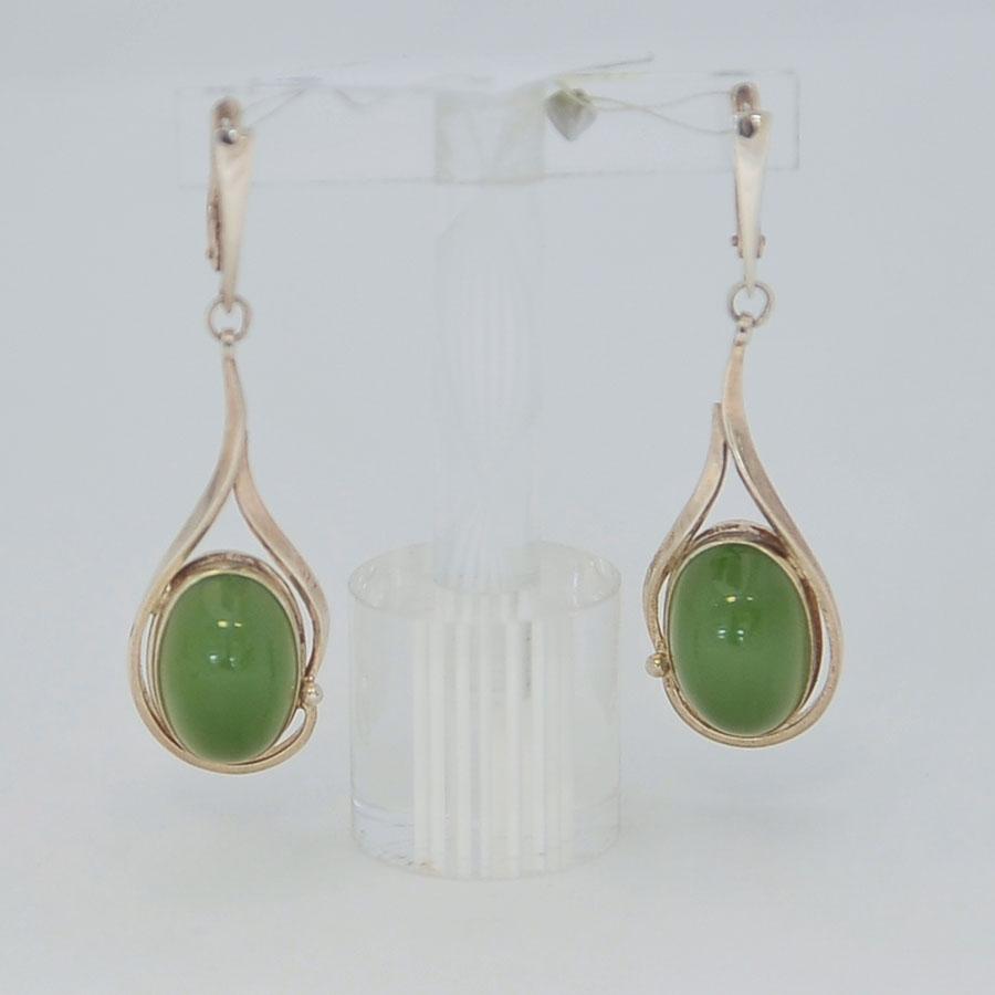Серьги изсветло-зеленого нефрита ввиде овала, серебро