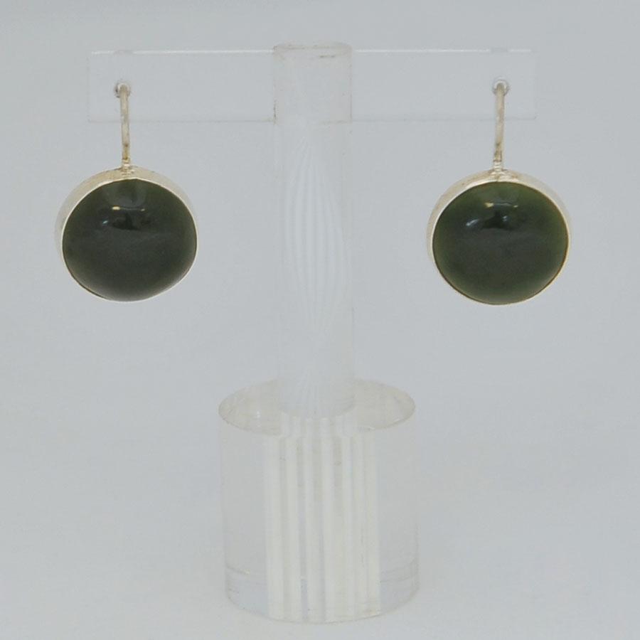 Серьги изтемно-зеленого нефрита ввиде круга, серебрение