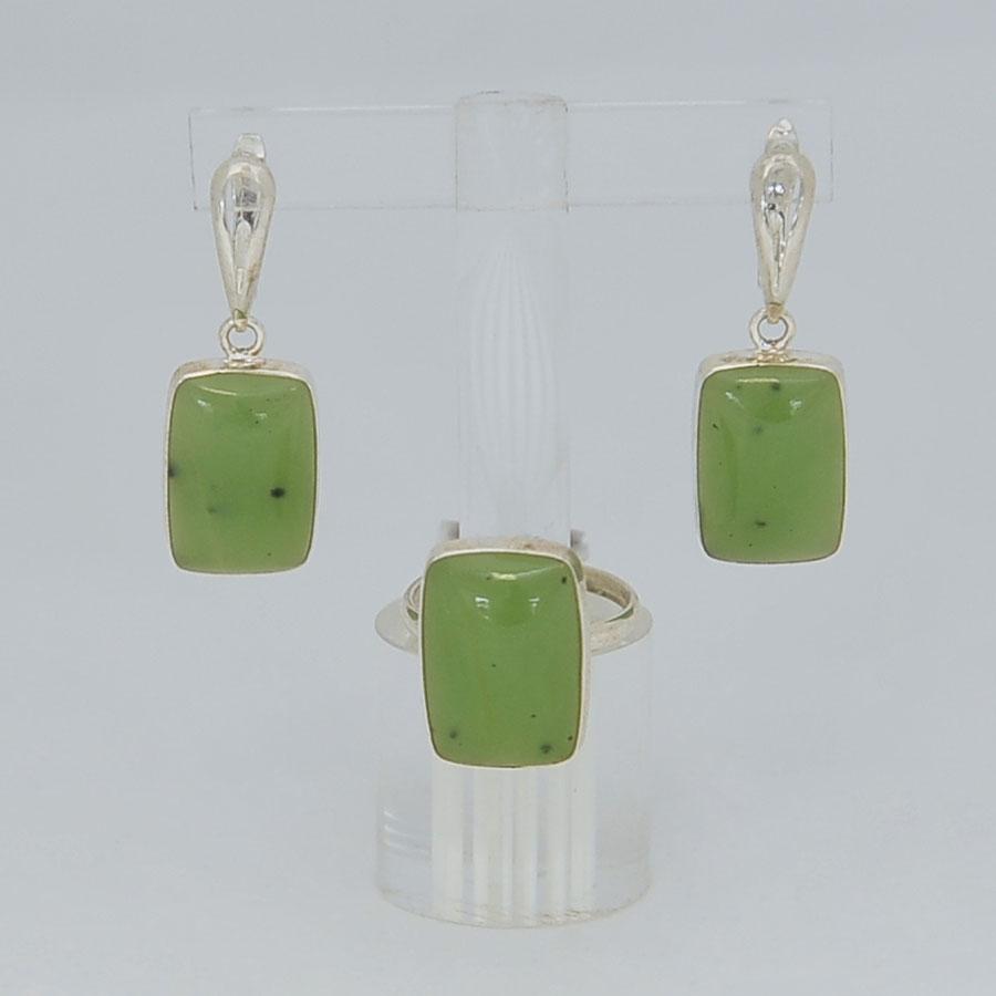 Комплект серьги + кольцо из светло-зеленого нефрита, прямоугольник, серебрение