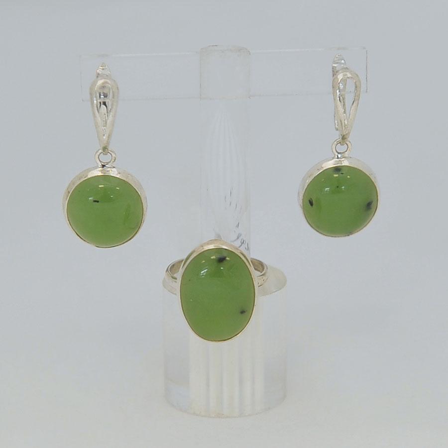 Комплект серьги + кольцо из светло-зеленого нефрита, овал, серебрение
