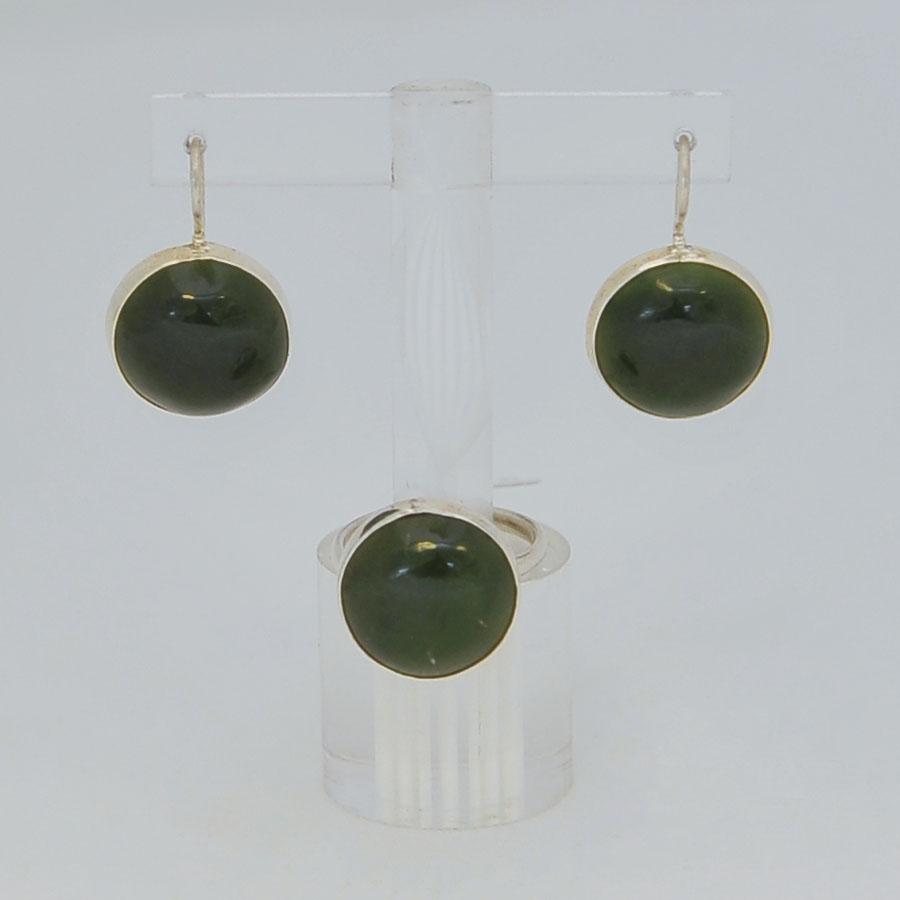 Комплект серьги + кольцо из темно-зеленого нефрита, круг, серебрение