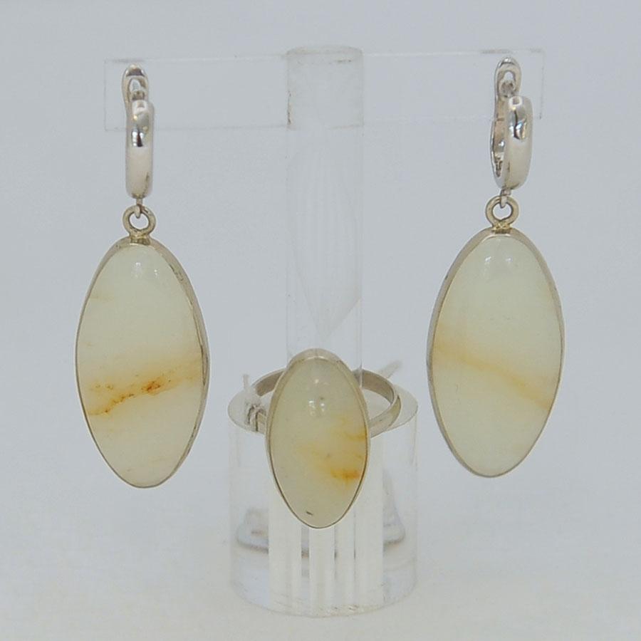 Комплект серьги + кольцо из бело-медового нефрита, овал, серебрение